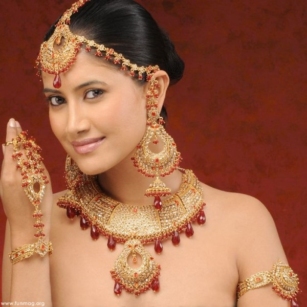 traditional-bridal-jewelry-03